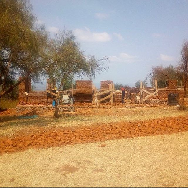 The latest photos from Gijega Primay School. The progress on the new classroom building is exciting. Soon the kindergartners will be meeting indoors. #progress #pdxnonprofit #tanzania #school #classrooms
