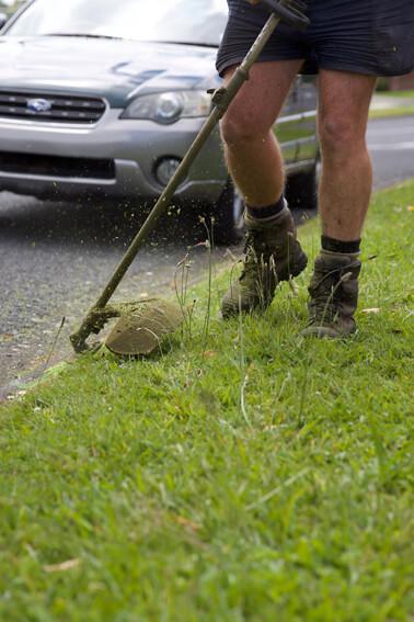 Lawn mowing edging