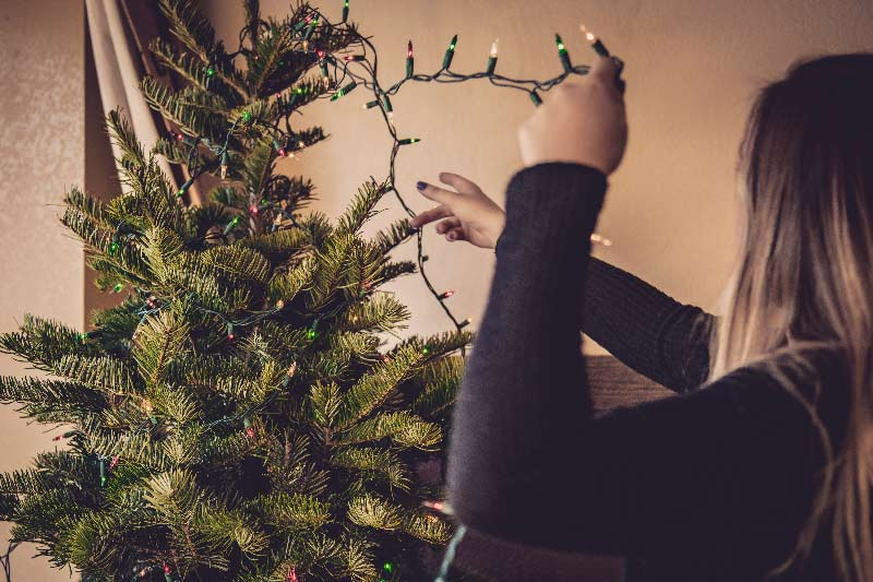 christmas-tree-decoration.jpg