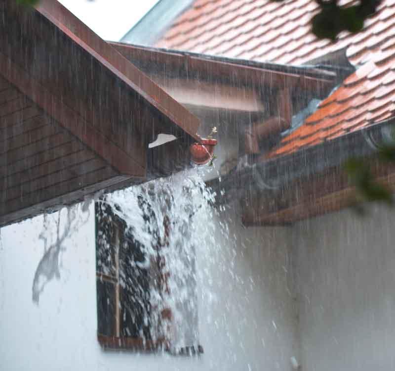 overflowing-gutter.jpg