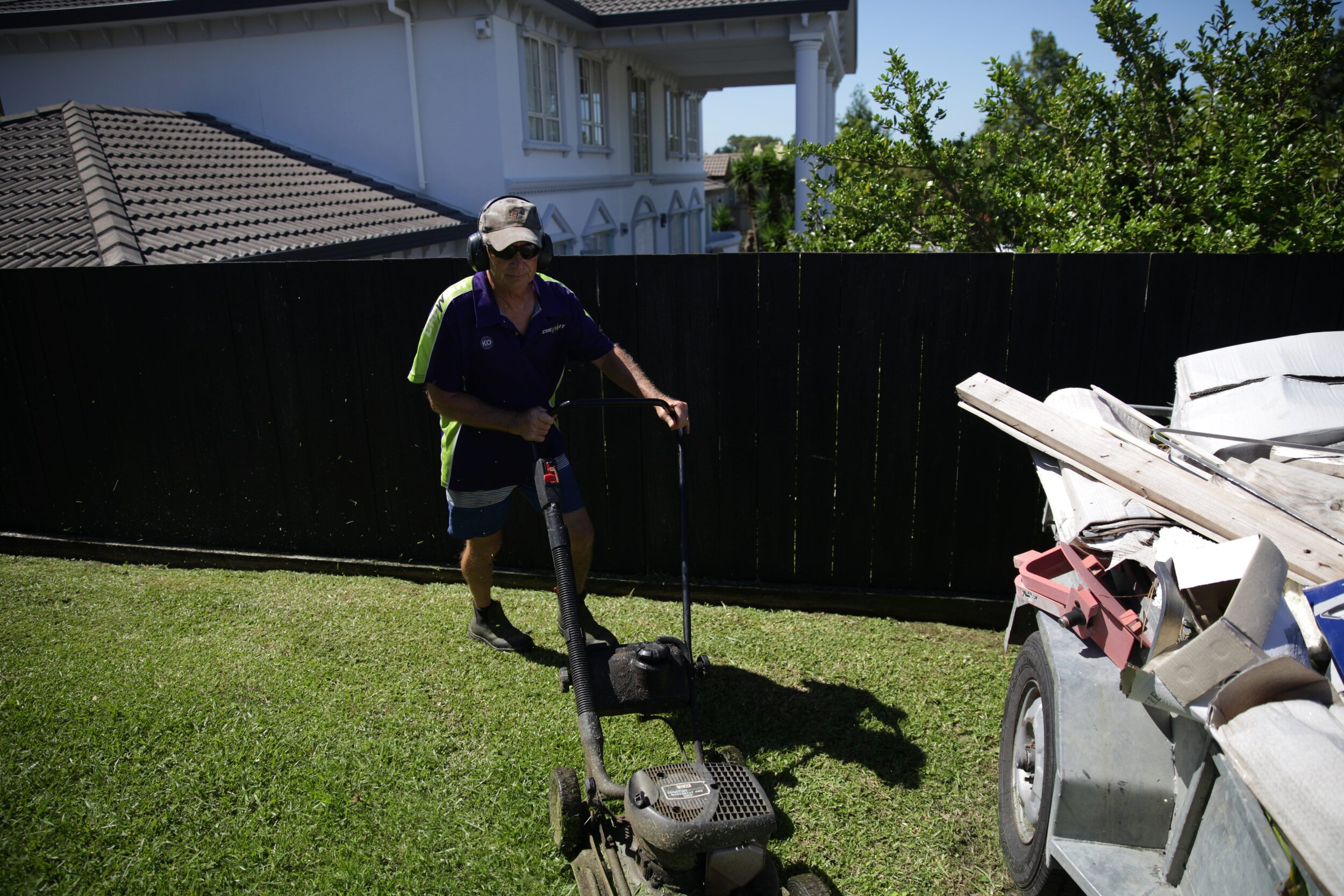Lawn Mowing in Mellons Bay
