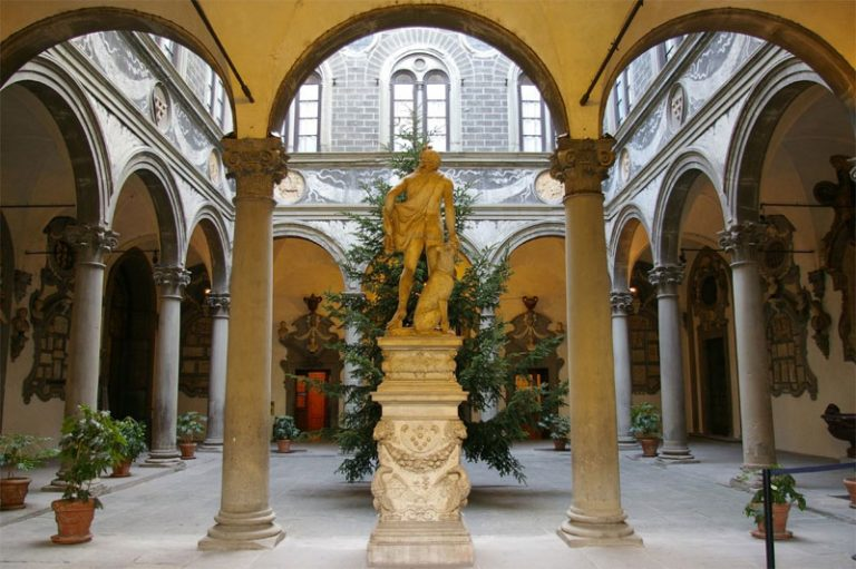 Internal courtyard at the Medici Family home built by Cosimo the Elder.
