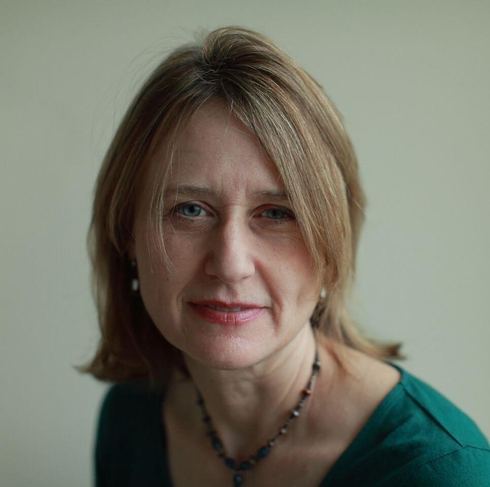 Gail Folkins Headshot_preview.jpg
