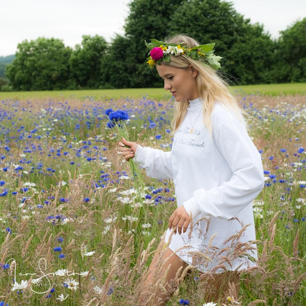 flower field girl 2.jpg