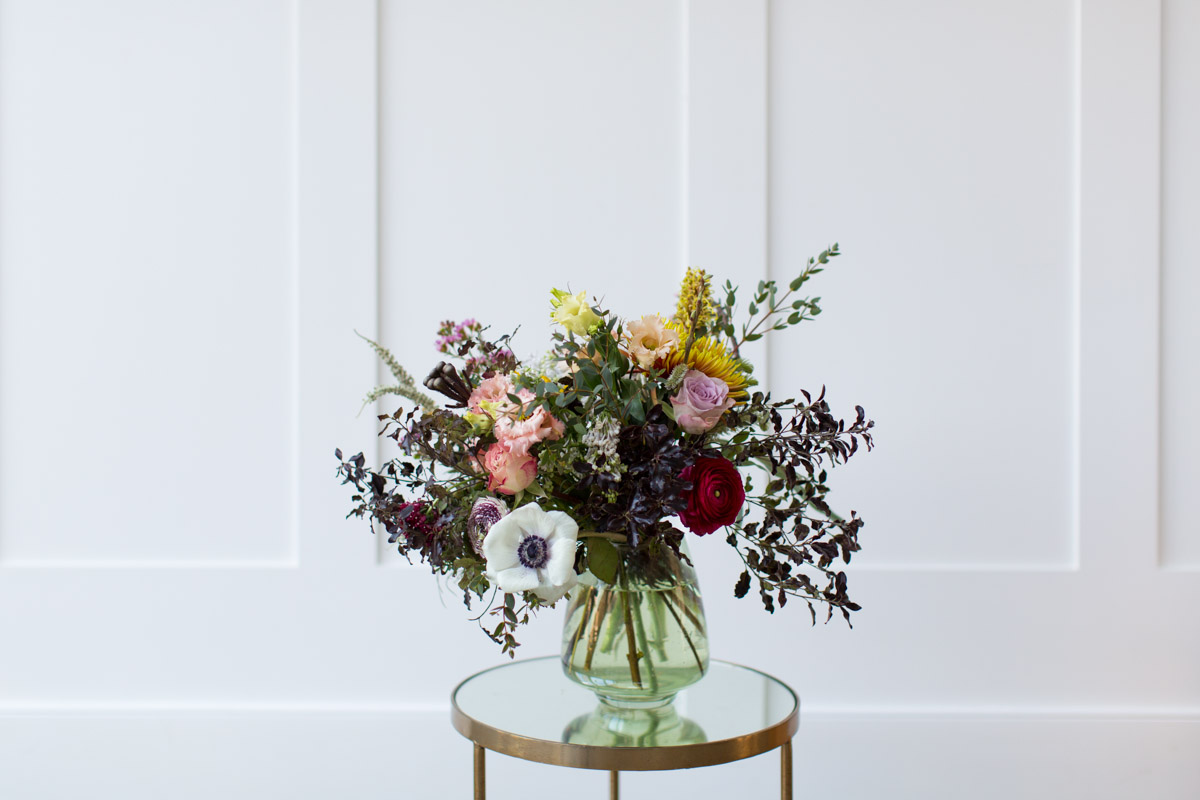 Floral-bouquet-still-life-and-lifestyle-photography-for-creative-brands