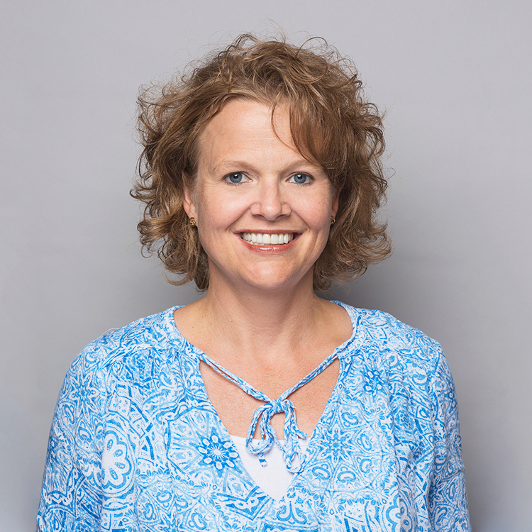 Cindy Miller – Dentist
