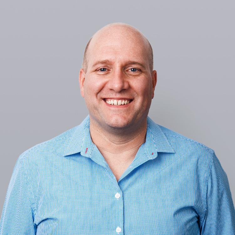 Brian Enghirst – Dentist
