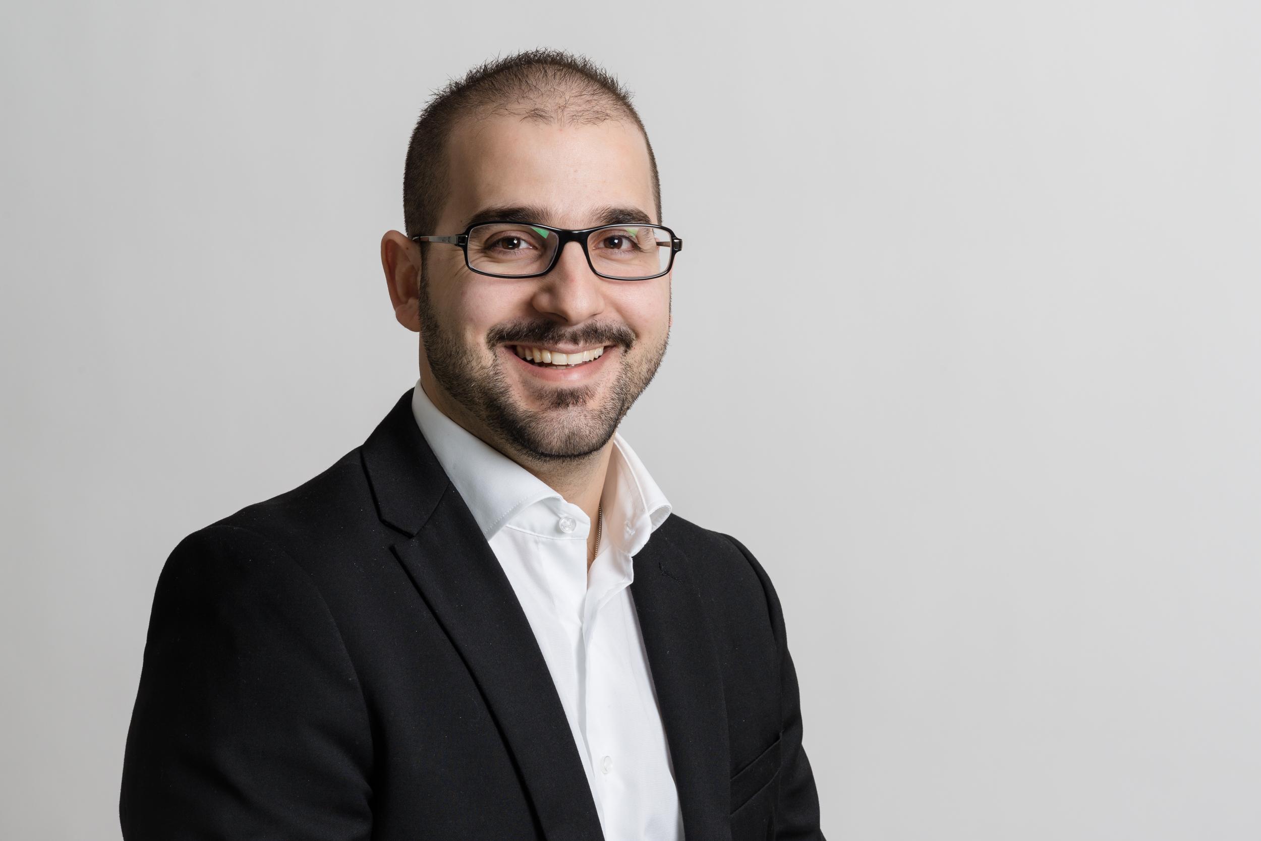 Stefano Mastroberti  Projektleiter Planung / Architekt  mastroberti@primobau.ch