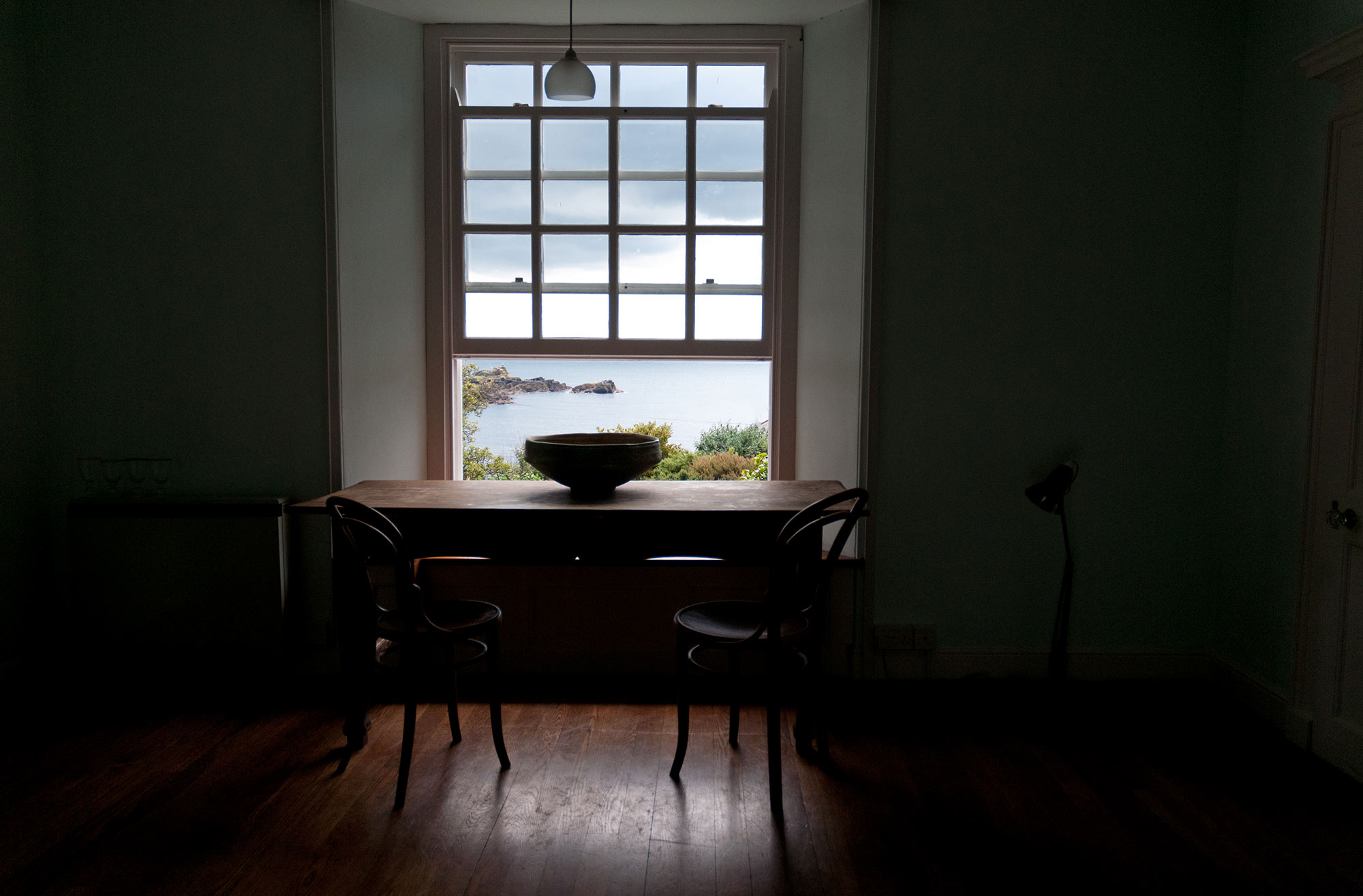 doherty-porcelain-living-space-big-bowl-by-the-window.jpg