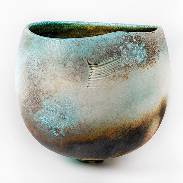 This Guardian Vessel is now central to a select group of work for @the_stratford_gallery. The exhibition, The Stories We Can Tell, opens on 30th March - 20th April. More information and list of available pieces will be up on their website shortly #jackdoherty #sodafired #porcelain #contemporaryceramics #collectingceramics #contemporarycraft #interiordesign #spring #thestratfordgallery #vessels #dohertyporcelain #ceramicexhibition