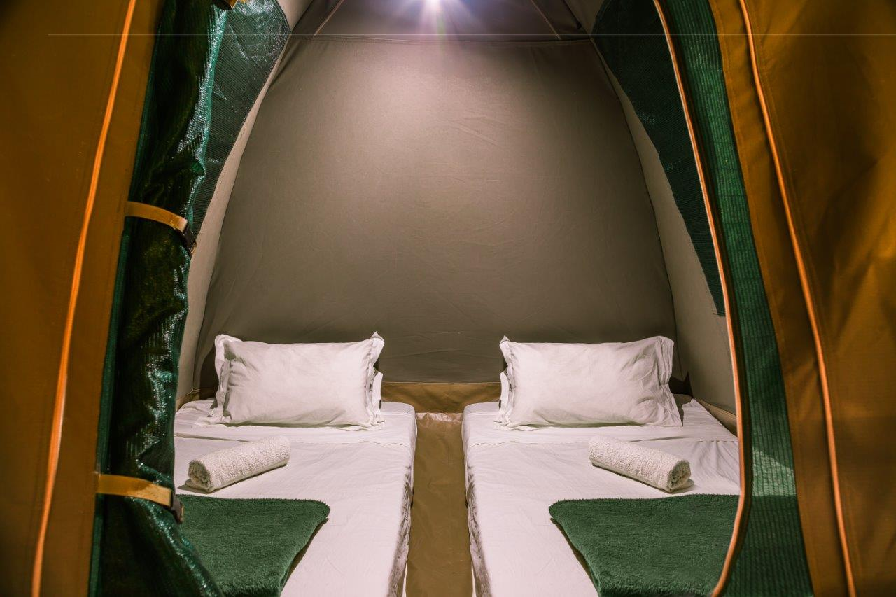 2.5 dome tent with mattress and beding.jpg