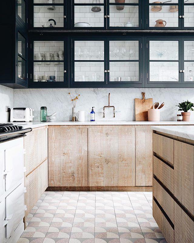 Kitchen goals 💫 Beautiful new tiles designed by @lindseylangdesign for @domustiles. These will be available to buy in May!