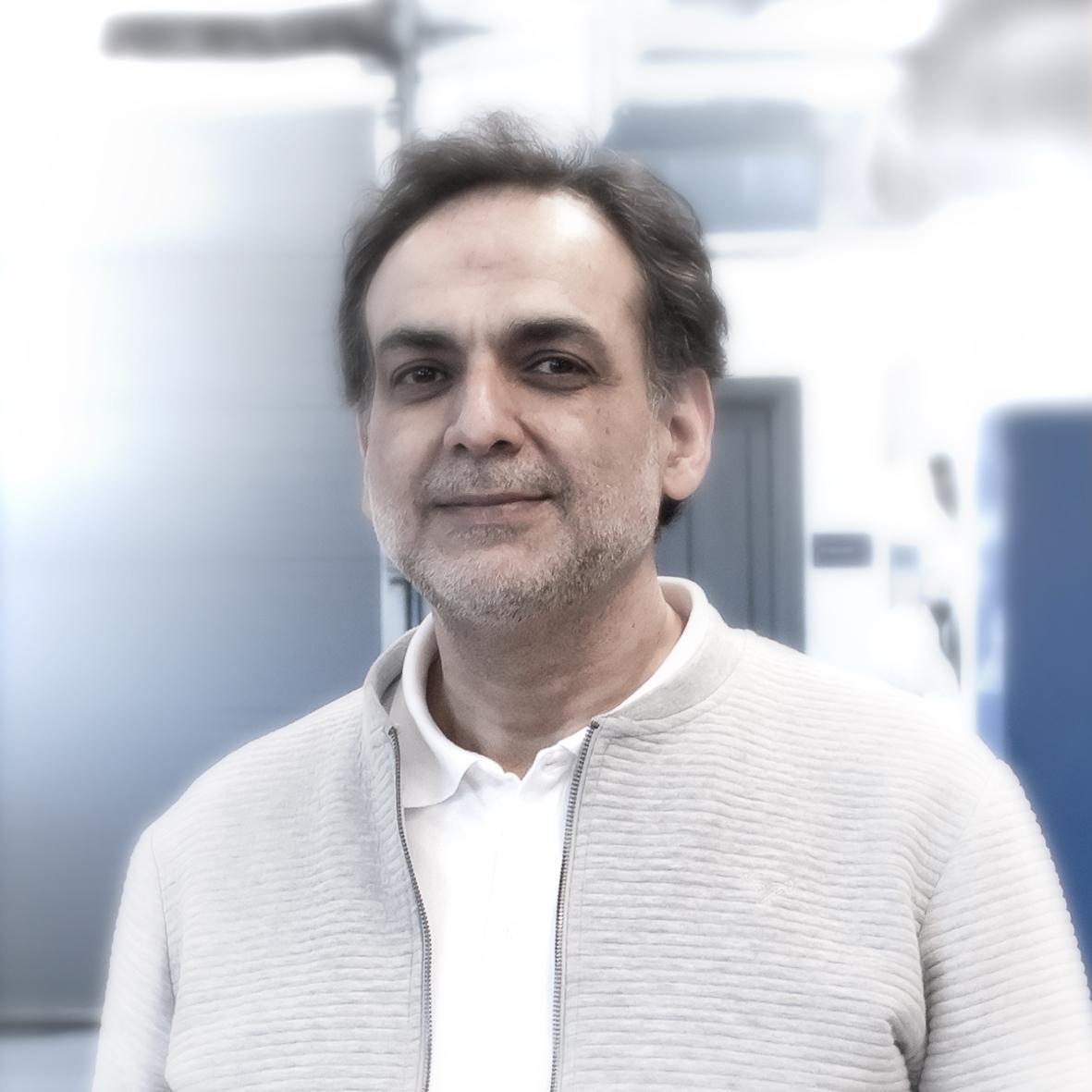Akbar Ghafourian  CTO  p: +44 7405602931  e:  akbar@otechos.com
