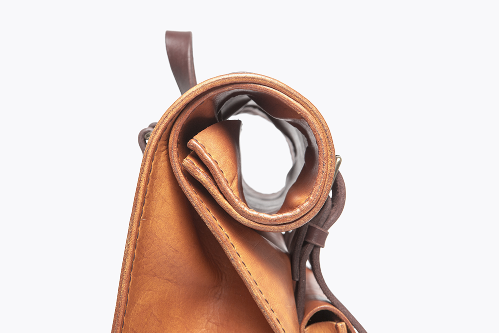 6 RS S Cognac - PP Detail roll top_LR.png
