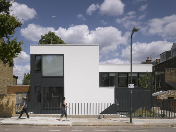 Zog House  is the self-build by our MD Gus Zogolovitch in North London, designed by architects  Groves Natcheva  and featuring a clever split-level design.