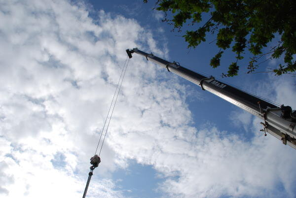 zog house construction crane 600.jpg
