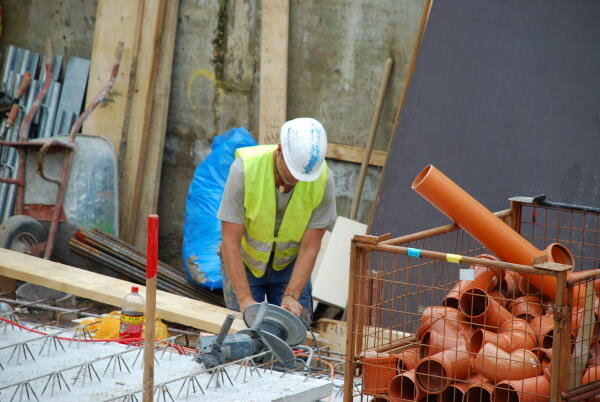 zog house construction worker 600.jpg