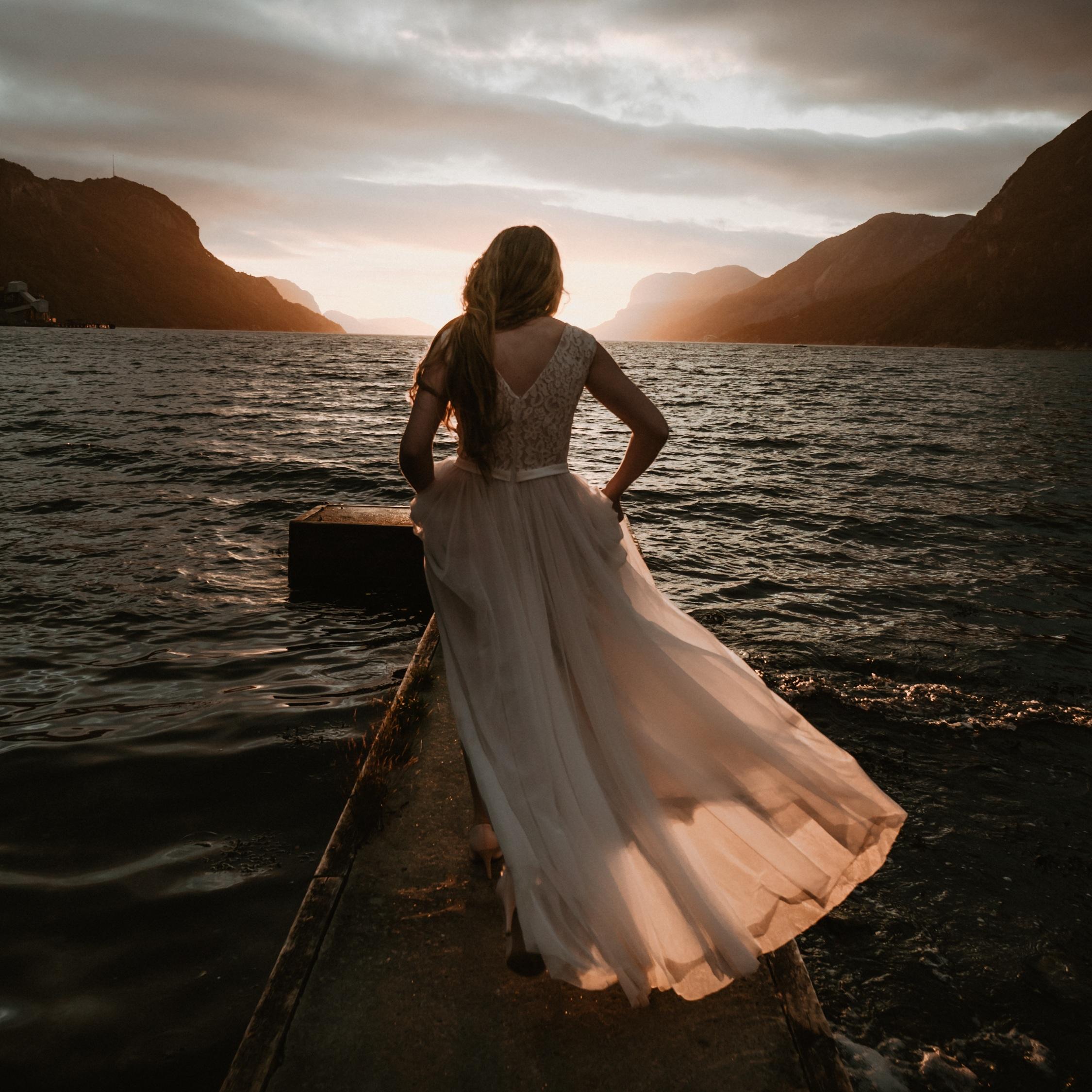Dridal-Norway-Elopement-Destination-Wedding-Photographer-Skarbek