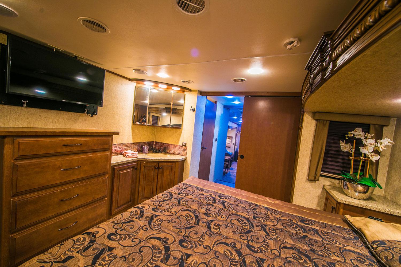 landmark-camper-rental-mas2.jpg