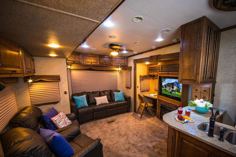 landmark-camper-rental-liv.jpg