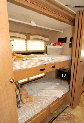 int-bunks-2.jpg