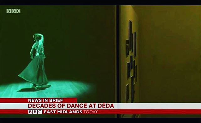 Mesmerising #Kathak dance performed by the utterly captivating @_vidyapatel for the #DerbyDancing #exhbition at @dedaderby, on until 22bd December 2018 as featured on @bbceastmidlands @heritagelotteryfund @aceagrams #hiphop #northernsoul #archive