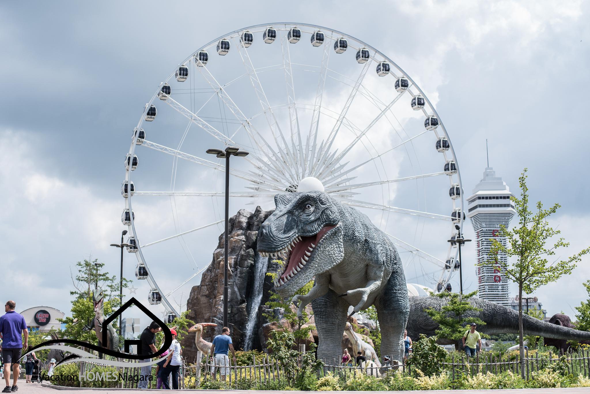 Clifton_Hill_Niagara_Falls_Attractions.jpg