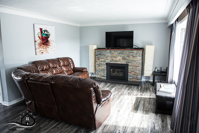 Places_To_Stay_In_Niagara_Falls_Living_Room.jpg