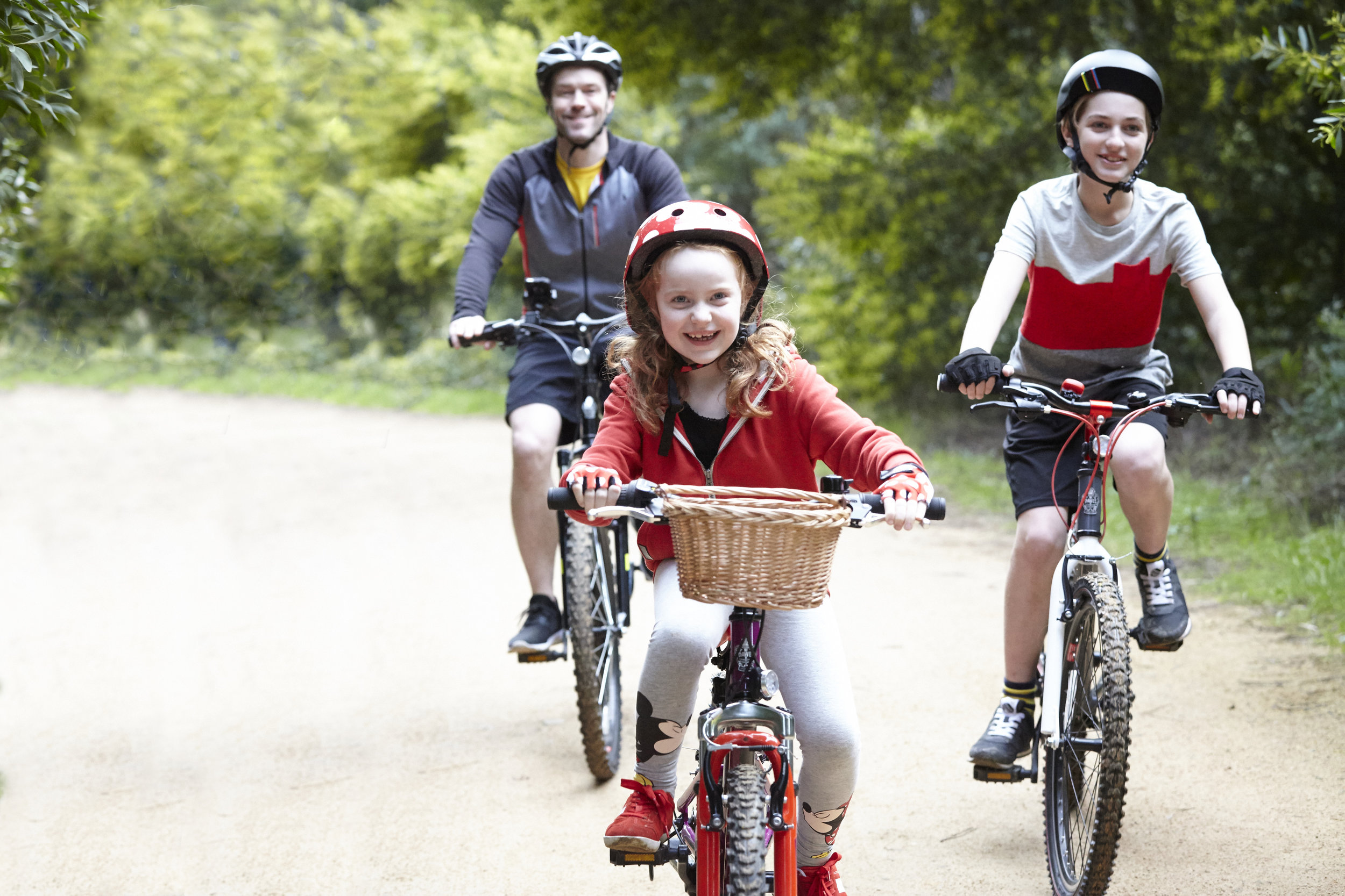 MickeyandFriends_Cycling_PublicityStills_21_master_Retouched.jpg