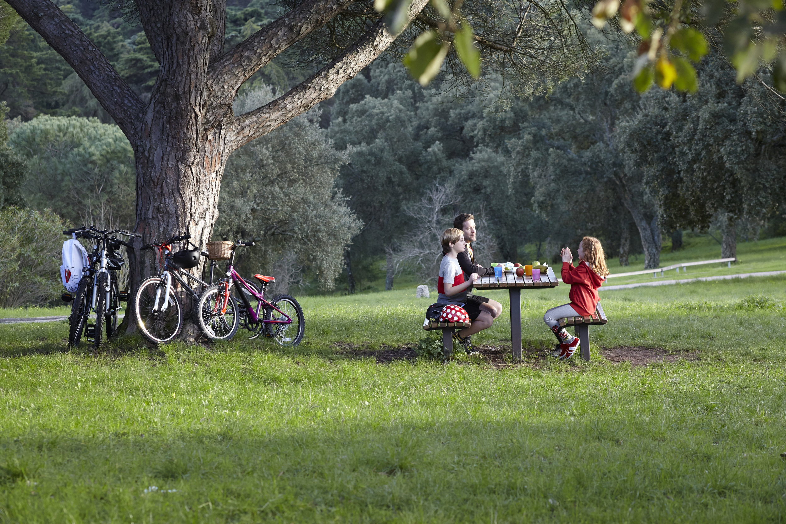 MickeyandFriends_Cycling_PublicityStills_36_master_Retouched.jpg