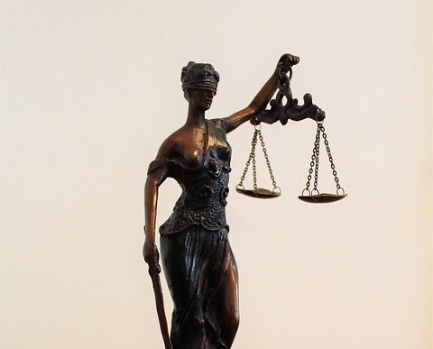 justitia-2723660_960_720.jpg