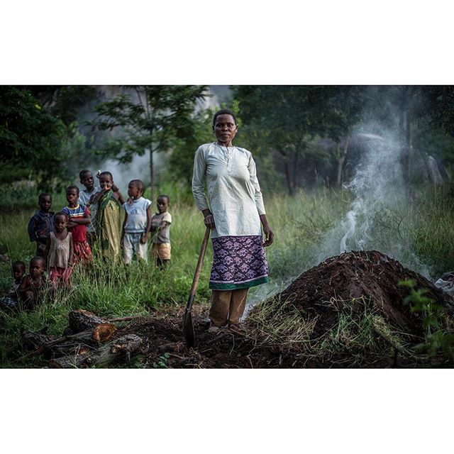 Making coal for cooking. . . . . . #tanzania #africa #majisafigroup #majisafi #cleanwater #asmp #asmpct #asmpctphotoannual2019 #cooking #naturallight #naturallightphotography #documentaryphotographer #documentaryphoto #portrait #documentaryportrait #canon5d #nationalgeographic #natgeo