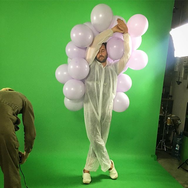 about to burst 🎈 grateful for an amazing day of music video making w/  @c180n.tv & @juanmiguelmarin  and a wonderful cast  @melissablumb  @feministasocial  @tappermichael  @troutwoman  thank you !  new work ——  old ideas  more to share soon