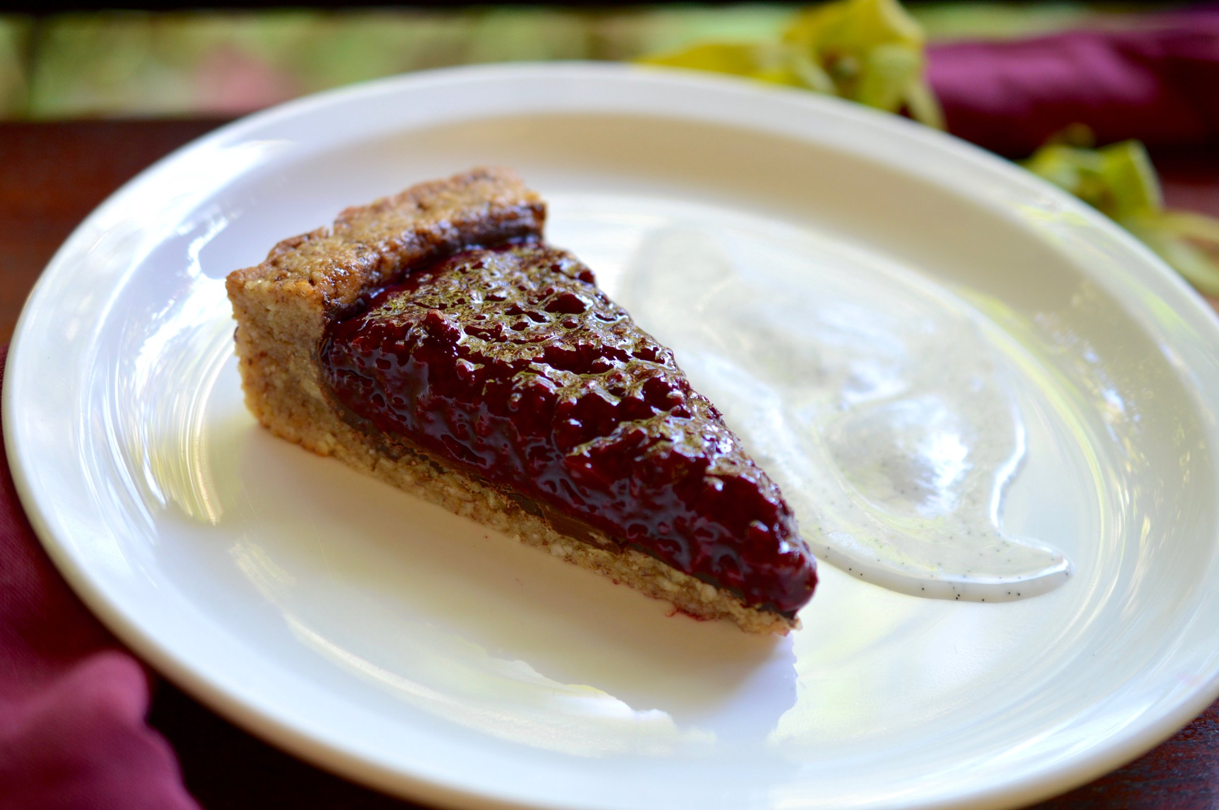Blackberry almondine tart.jpg