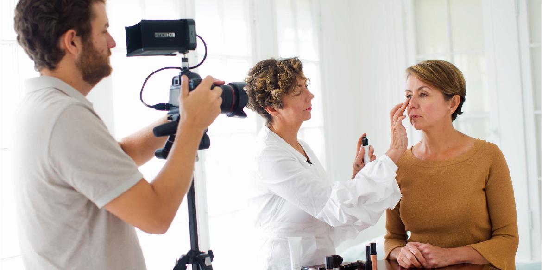 Deborah Netti, teaching the tim makeup technique.