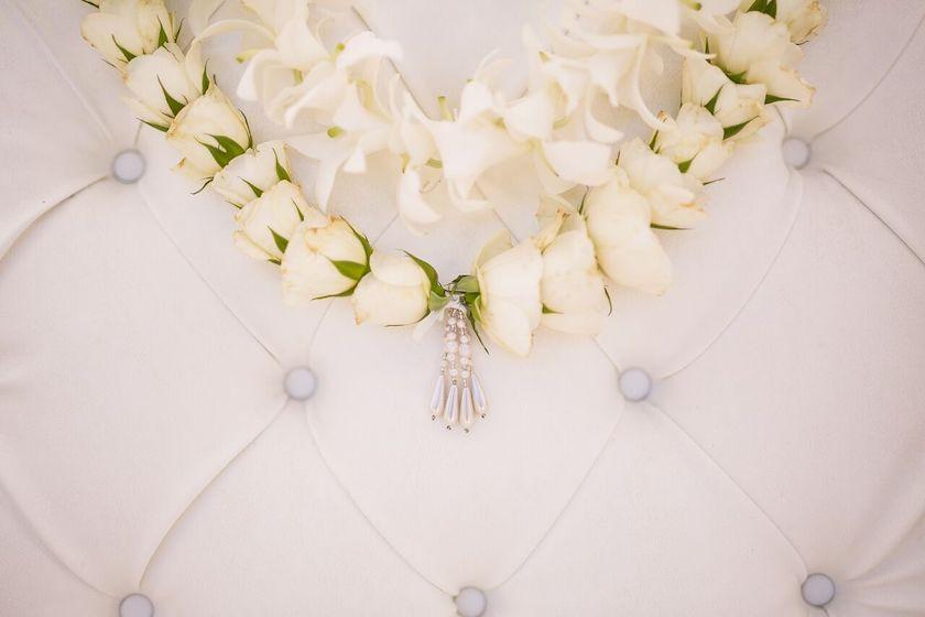 white flowers, wedding flowers, indian wedding, shawna yamamoto, event design, wedding design, floral design