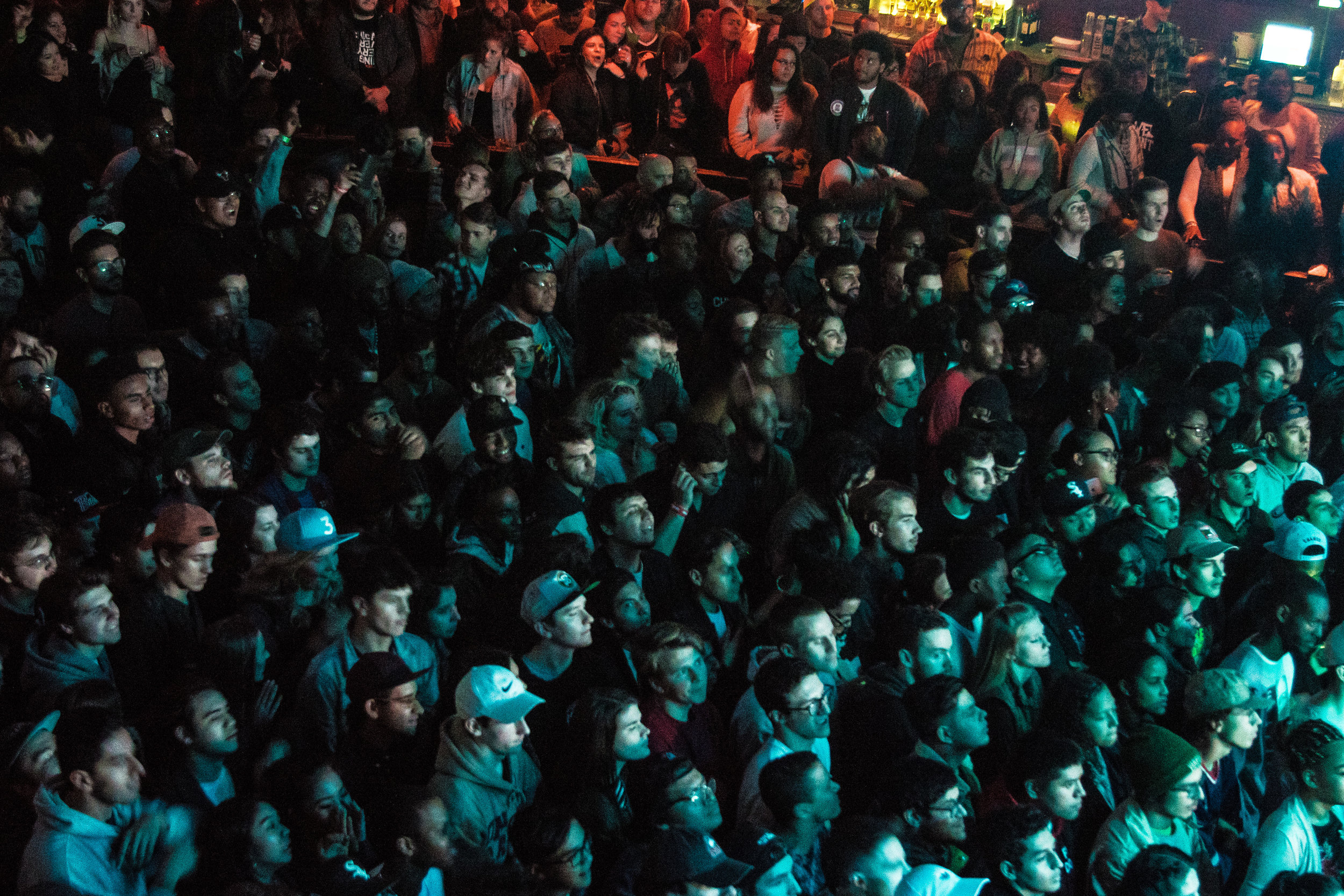 A sold out crowd at the House of Blues - Chicago. Photo by: Tom Vin