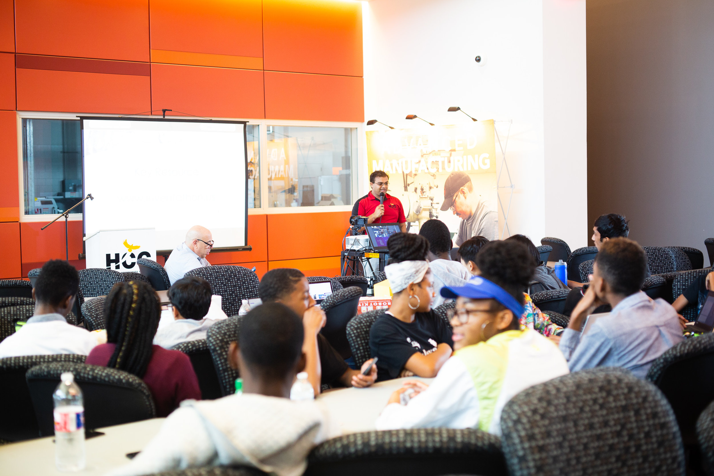 Ravi Brahmbhatt, Director of Student Innovation introduces students to the hackathon format at HCC Southwest Advanced Manufacturing Center. Code Park is excited to have supported the event with mentoring and volunteering. Courtesy of Wanjun Zhang. September 22nd, 2018.