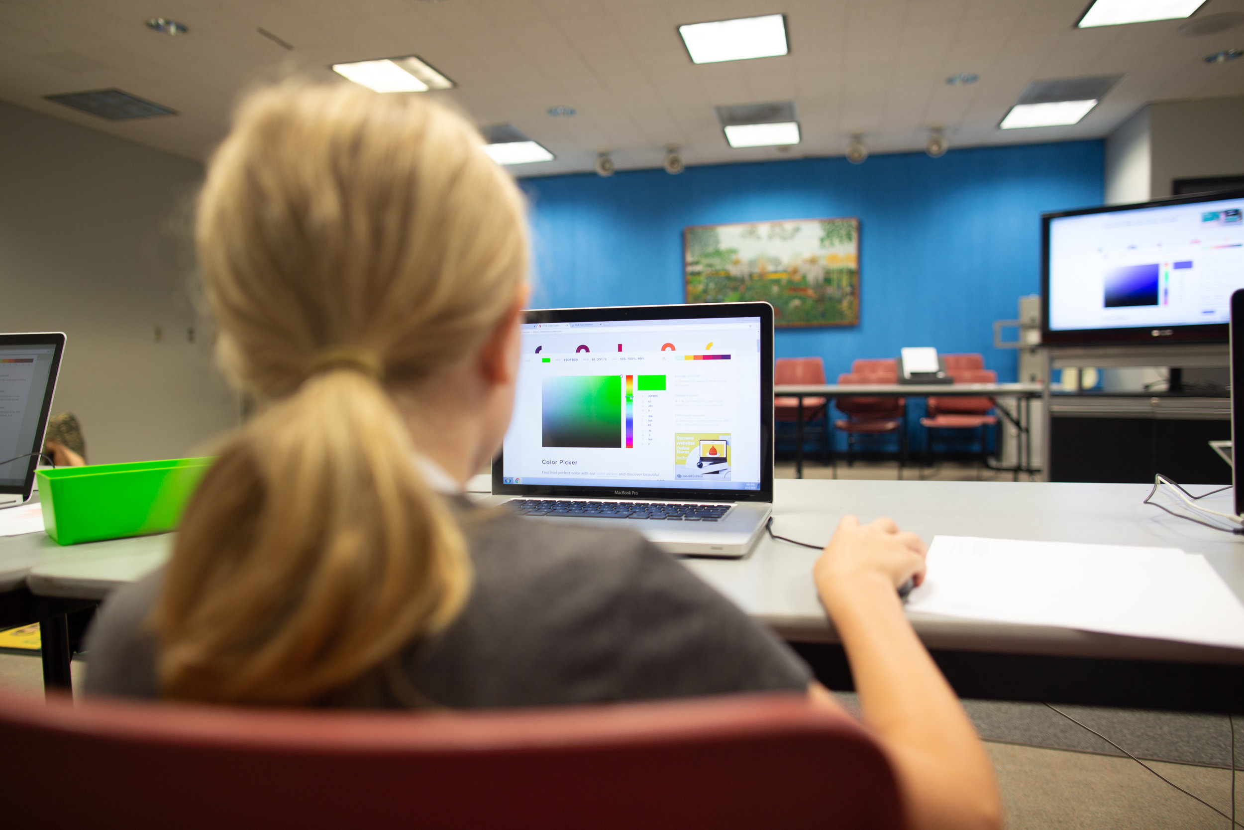 Example : A learner explores how a computer sees and stores color as data in Code Park's ASCII Art Summer Reading Program at Montrose Freeman Library. June 2018. Courtesy of Wanjun Zhang.