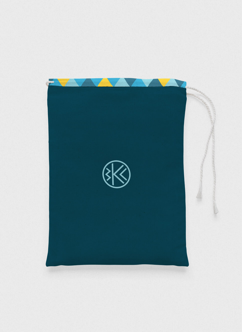 Belau Kanu Club small bag with triangle pattern and logo printed on the front