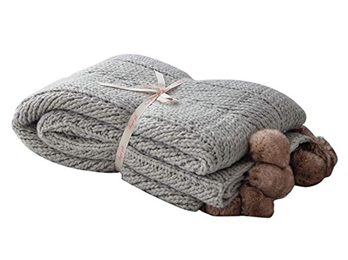 The ultimate girl entrepreneur gift guide by melissa lewis - super soft knitted throw blanket
