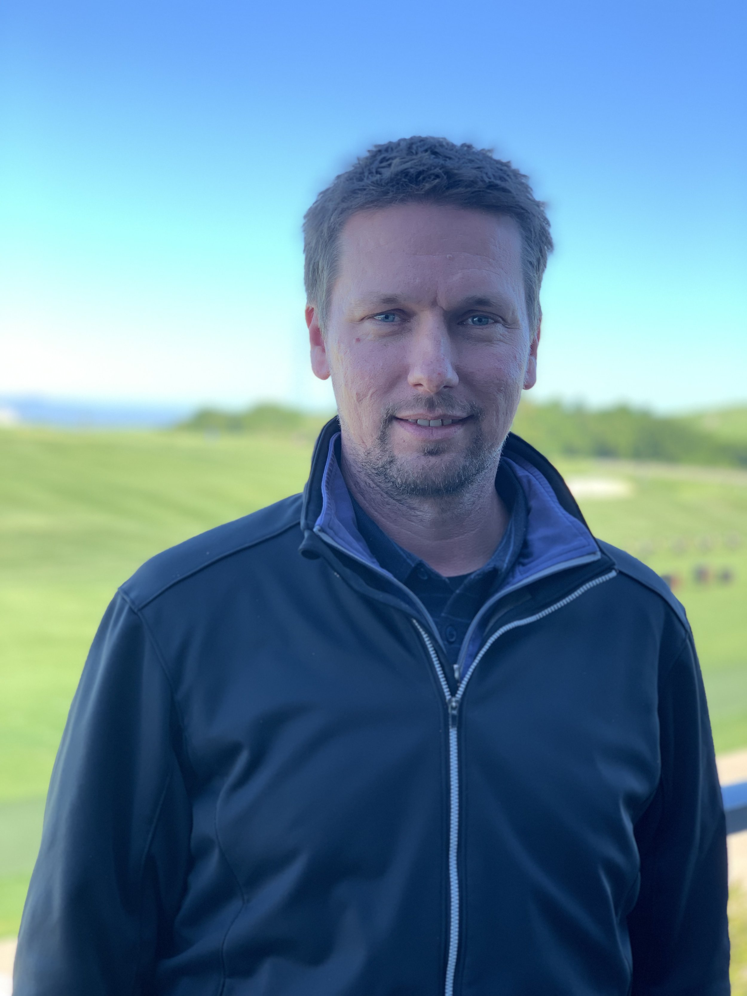 John Majchrzak - Golf Course Superintendent    jmajchrzak@stonebrae.com    510.690.9437