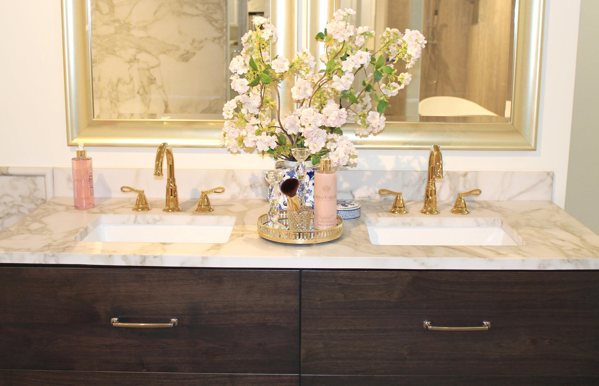 Calcutta Brown Vanity_Showroom H6.jpg
