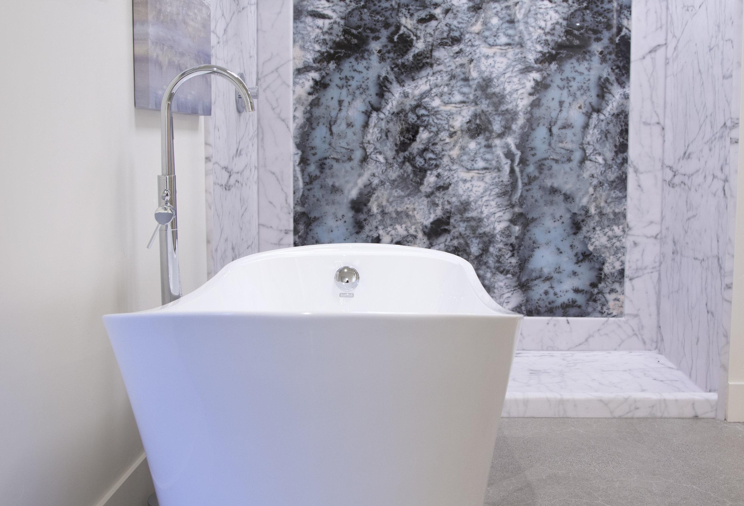 Bianco Carrara Display_H.jpg