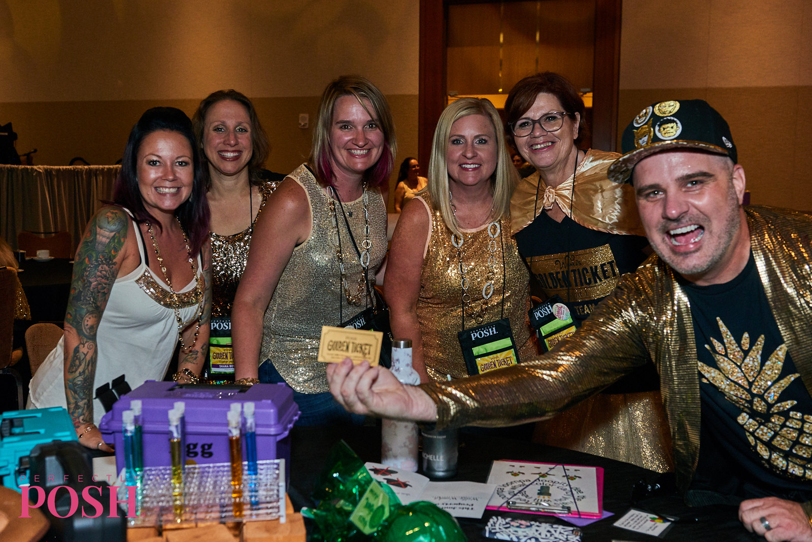 Perfectly Posh Influencer leaders and Jason Kramer at UnCon Leadership 2019 with golden ticket