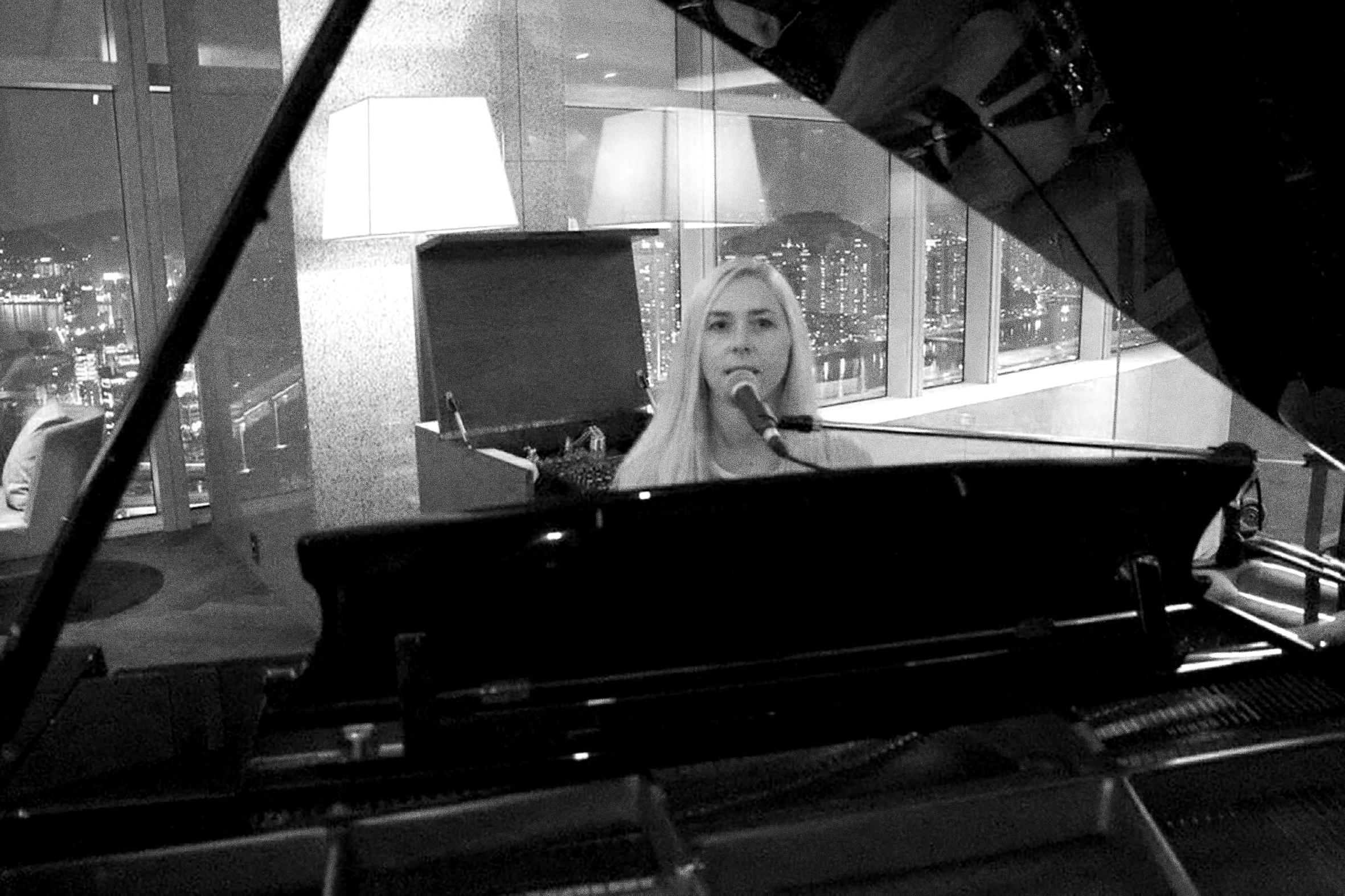 Adrienne Piano 01.jpg