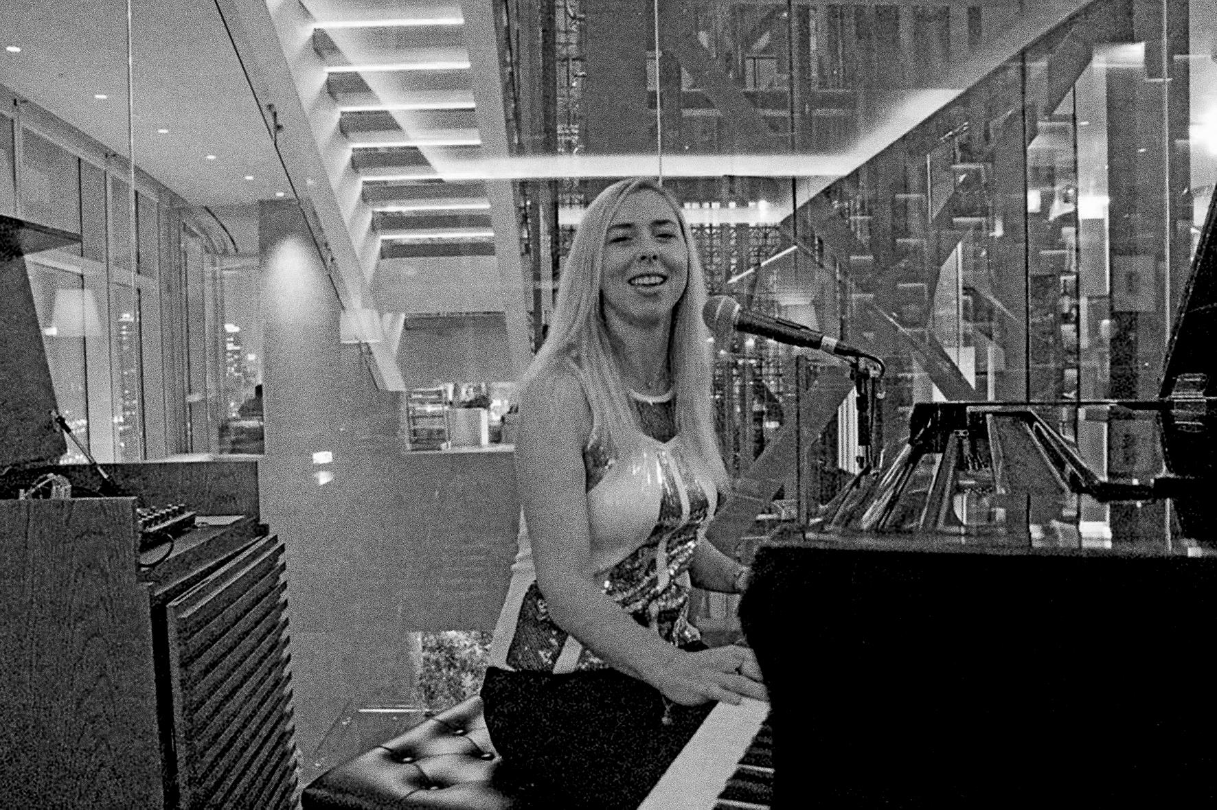 Adrienne Piano 05.jpg