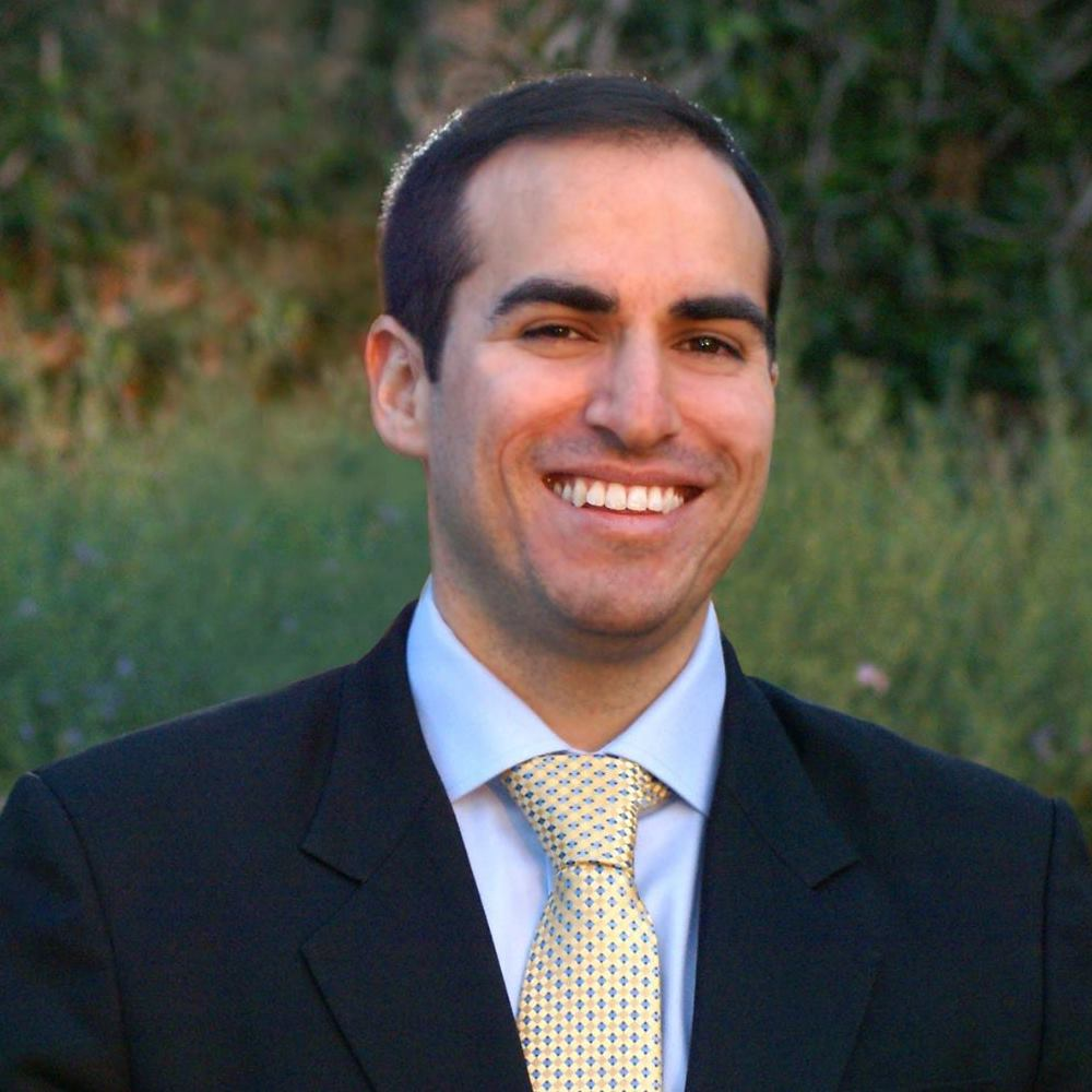 Josue Lopez CalderonFormerHub II Curator - Josue is a Co-Founder of The Baseball Foundation and serves in the Pan American Health Organization/World Health Organization. Previously he served in the Obama Administration's Presidential Personnel Office at The White House and at the President's Economic Recovery Advisory Board at the U.S. Department of the Treasury.