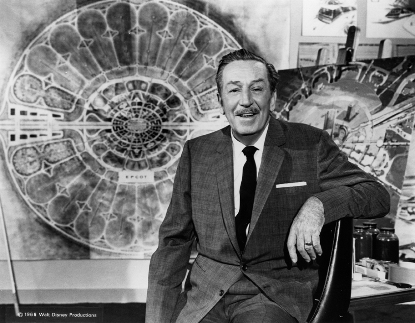 Episode 81 - Walt Disney is a true American icon and he's an amazing example to those of who merge business and creativity. This week I'm joined by Lou Mongello as we talk through the top 10 things that entrepreneurs can learn from the amazing life of Walt Disney.