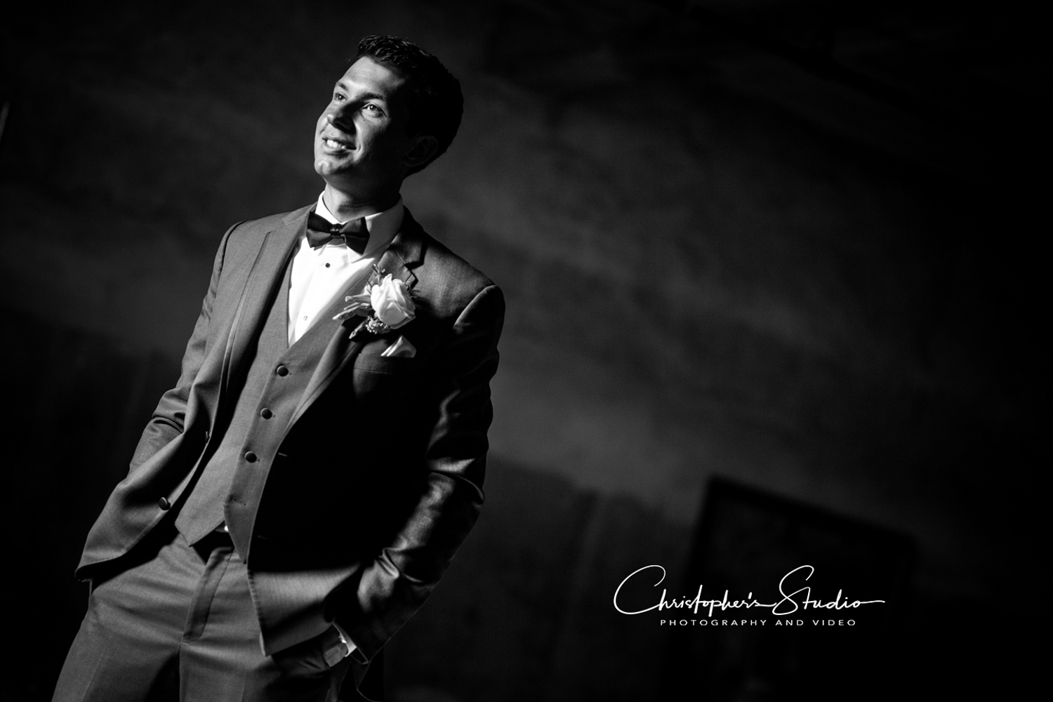 the-clubhouse-at-patriot-hills-groom-photos